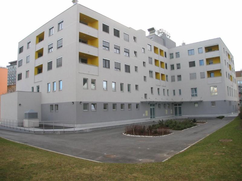 Stanovanjsko poslovni objekt IC-Dom